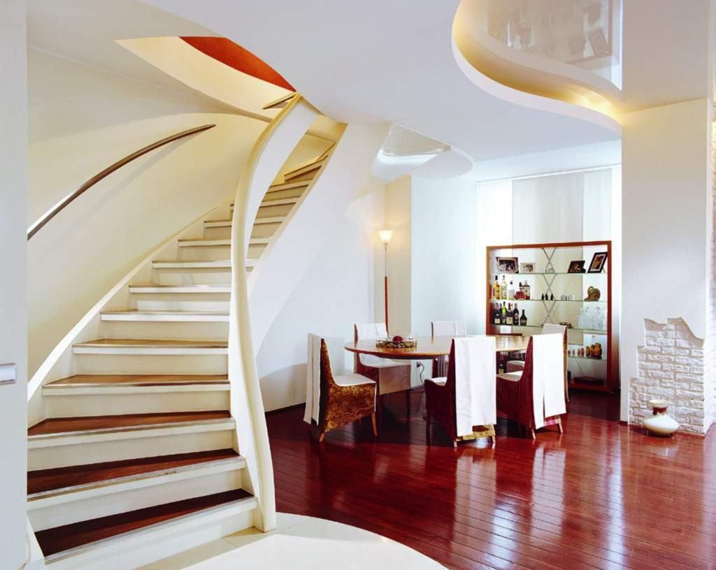 фото потолков где есть лестница страстный любитель